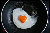 Le 9 août, c'est la Saint Amour ! dans Fatale oeuf-coeur